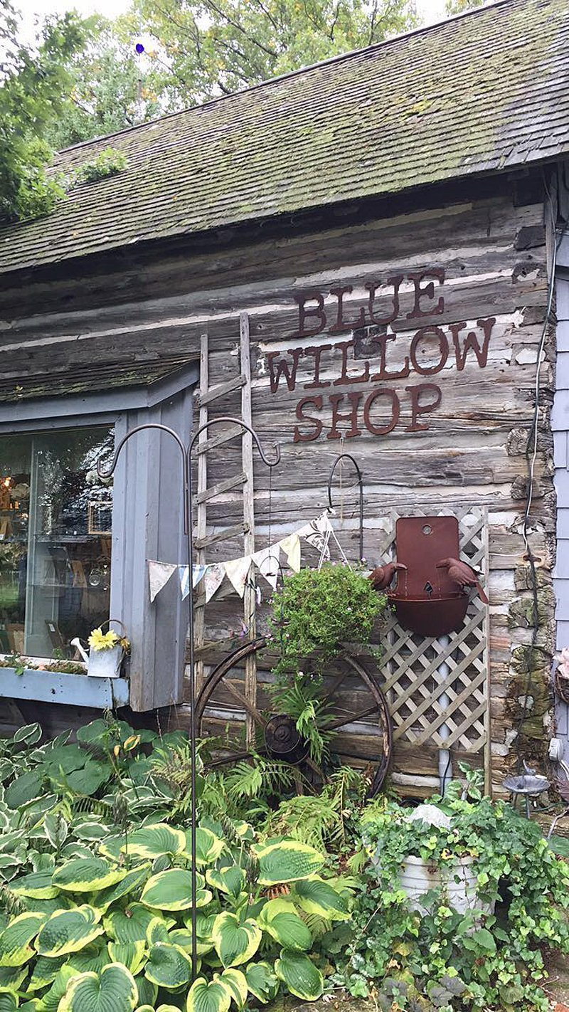 A Long Weekend Getaway Guide to Door County, Wis. - Chelsea Antiques & Blue Willow Shop