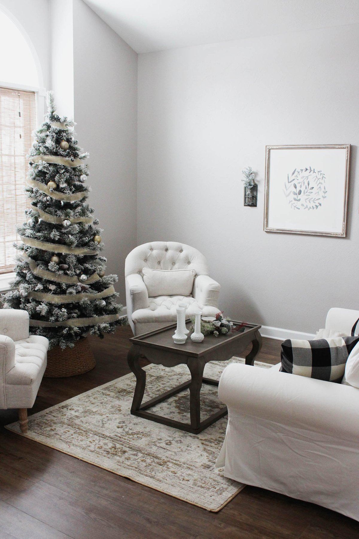 gold and silver Christmas sitting room