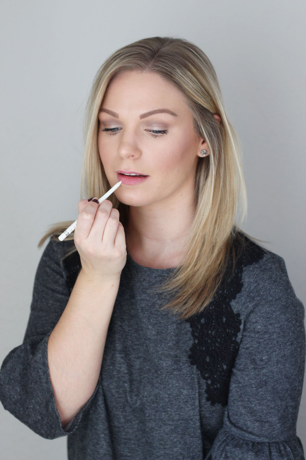 How to Make Your Holiday Lips Last - Rimmel Moisture Renew Universal Transparent Lipliner