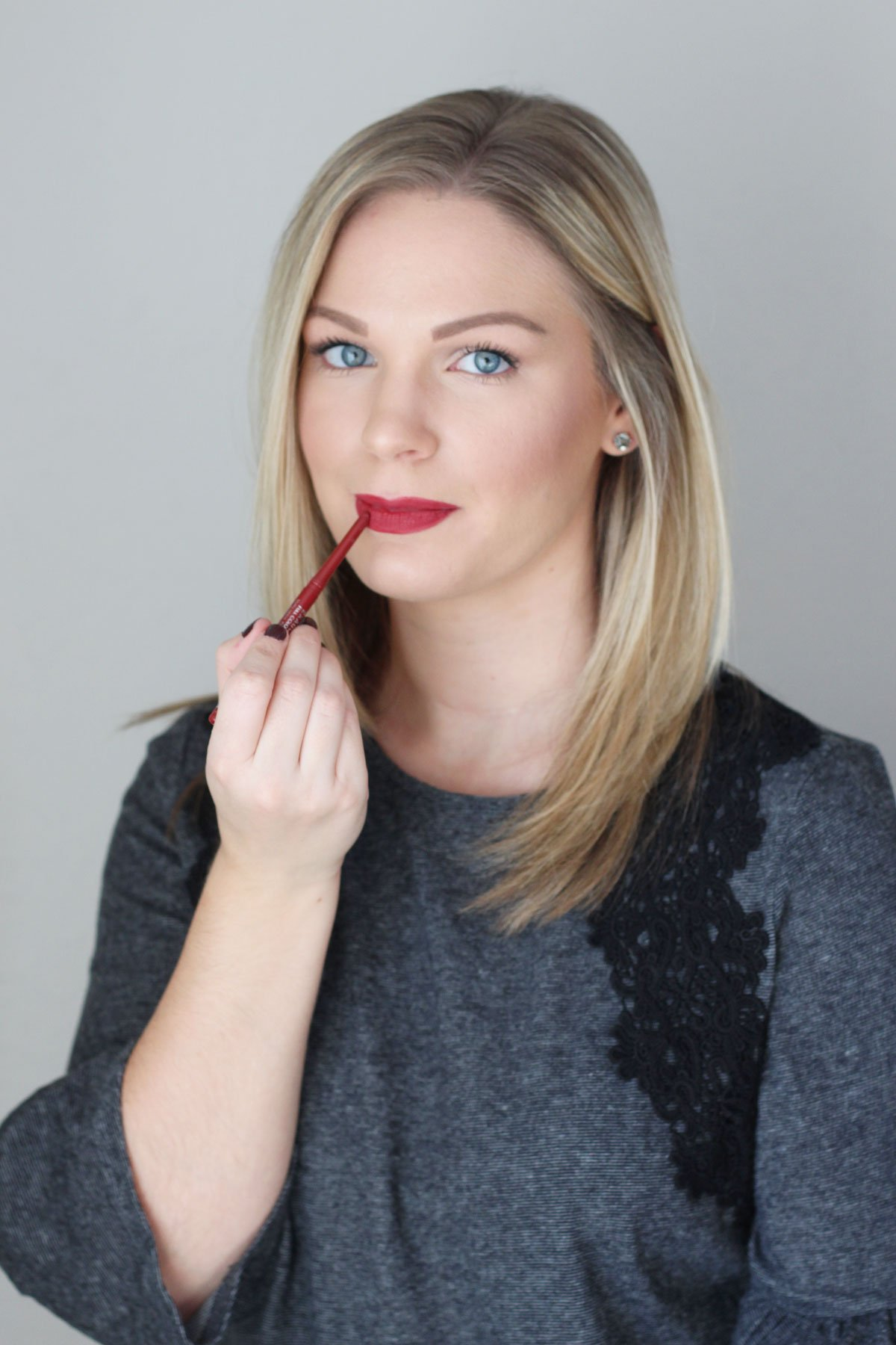 How to Make Your Holiday Lips Last - Rimmel Exaggerate Full Colour Lip Liner in Ravish