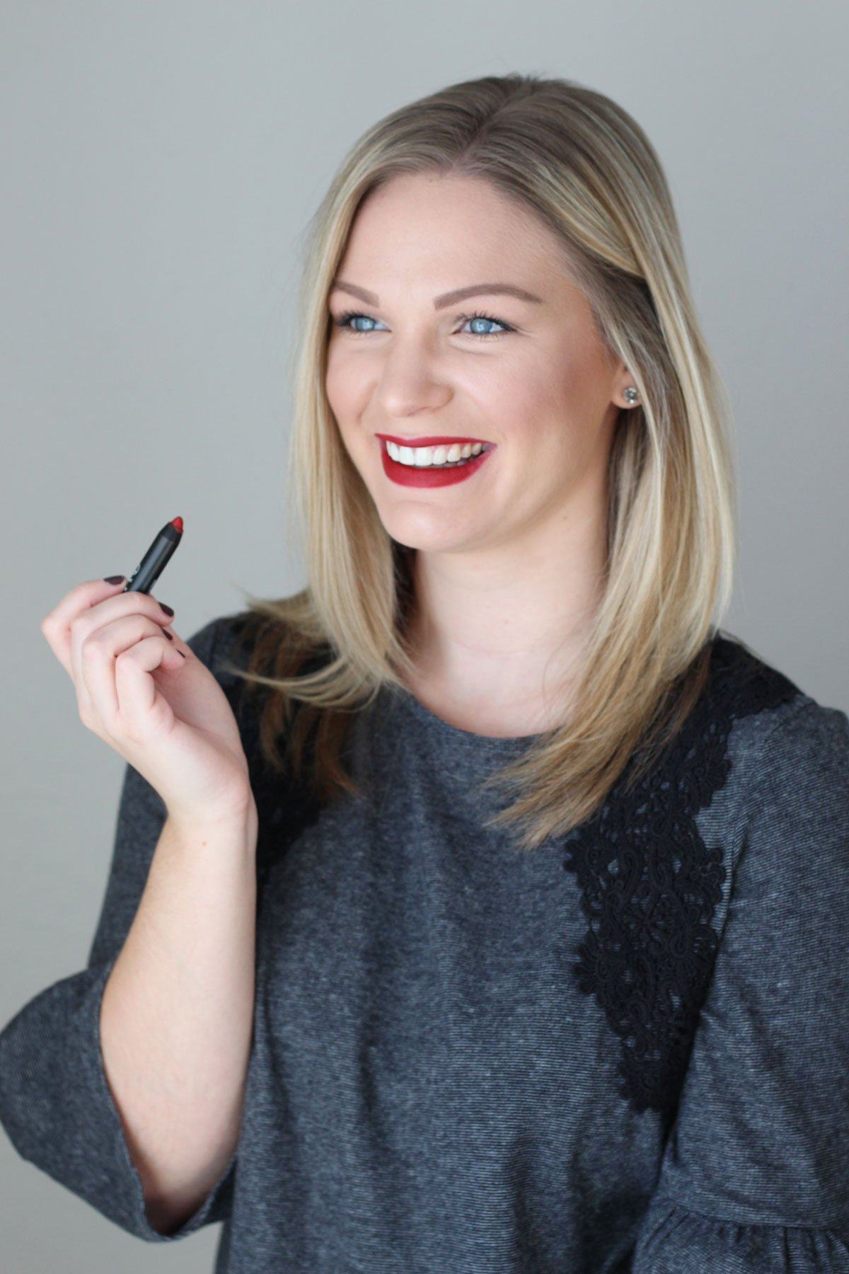 How to Make Your Holiday Lips Last - NARS Velvet Matte Lip Pencil in Cruella