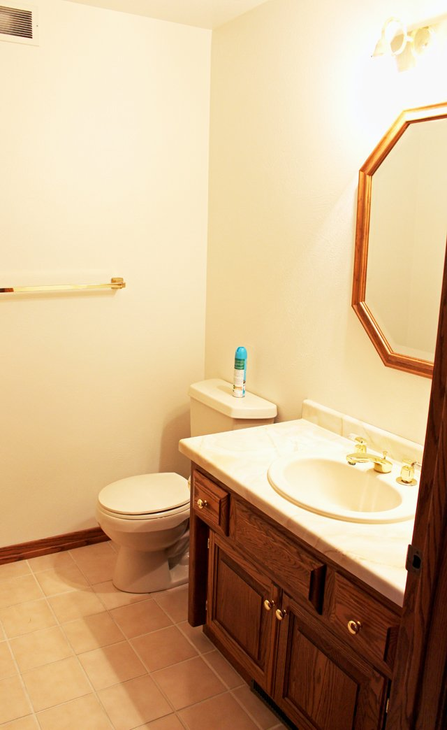 half bathroom renovation before
