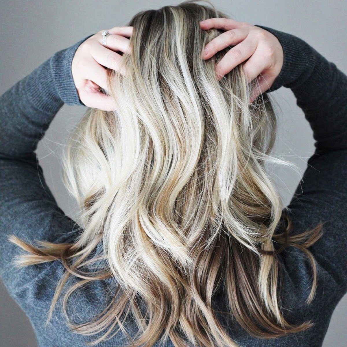 """Currently January 2017 Edition undone waves 1.5"""" curling iron"""