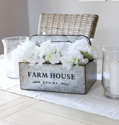 DIY Simple Farmhouse-Style Spring Centerpiece
