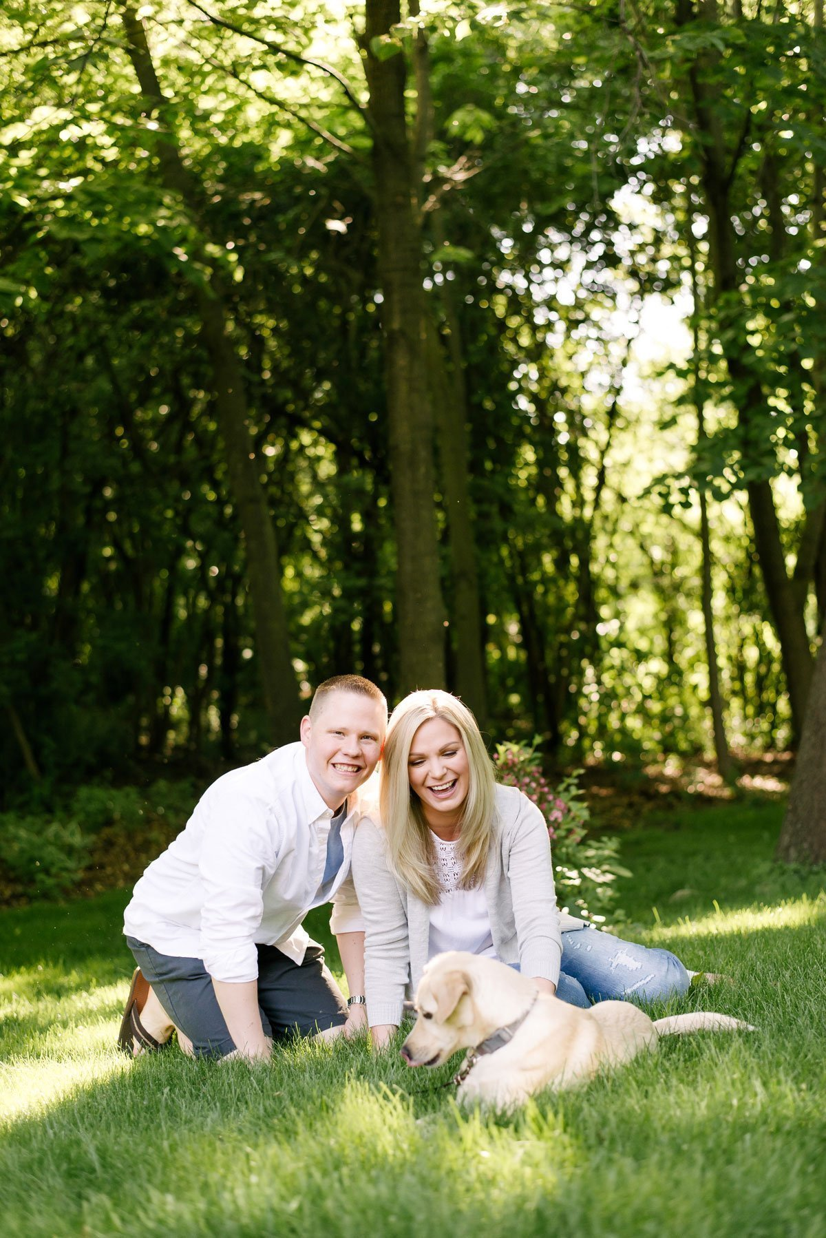 couples lifestyle photo session outside with dog