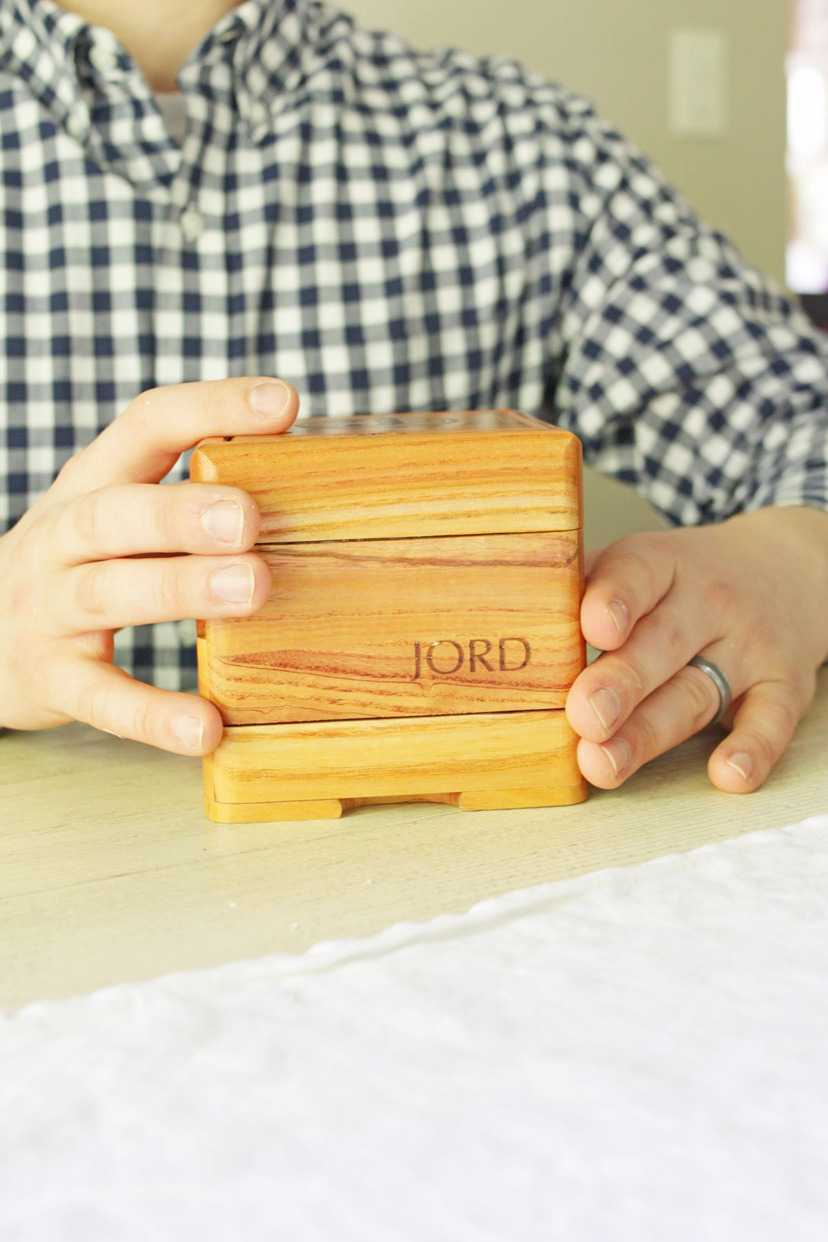 Celebrate Father's Day with JORD - JORD Watch humidity-controlled box