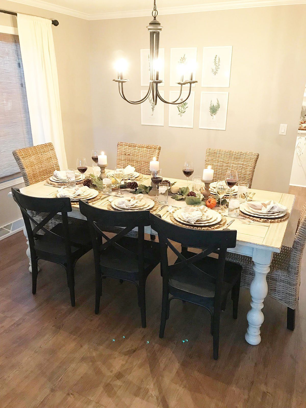 Farmhouse-Inspired Thanksgiving Table 2017