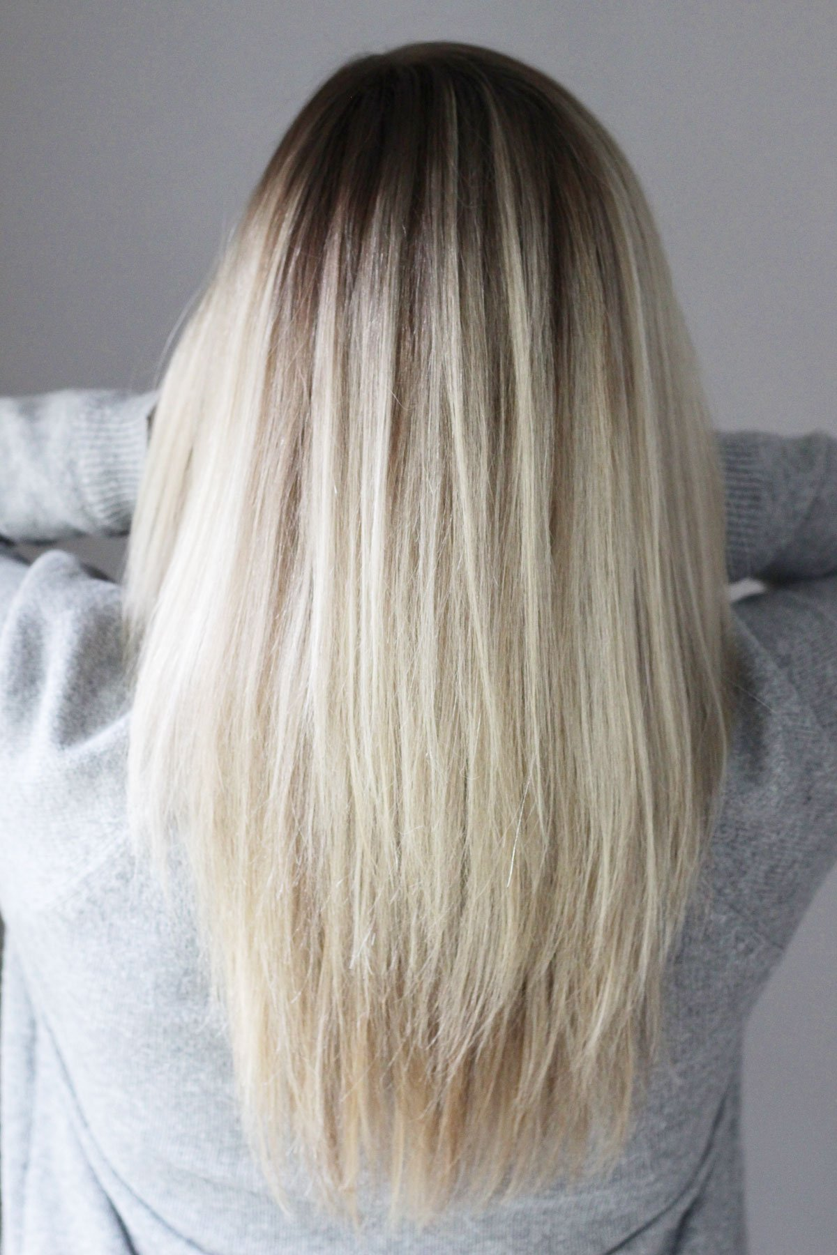 Blonde highlights with shadow root