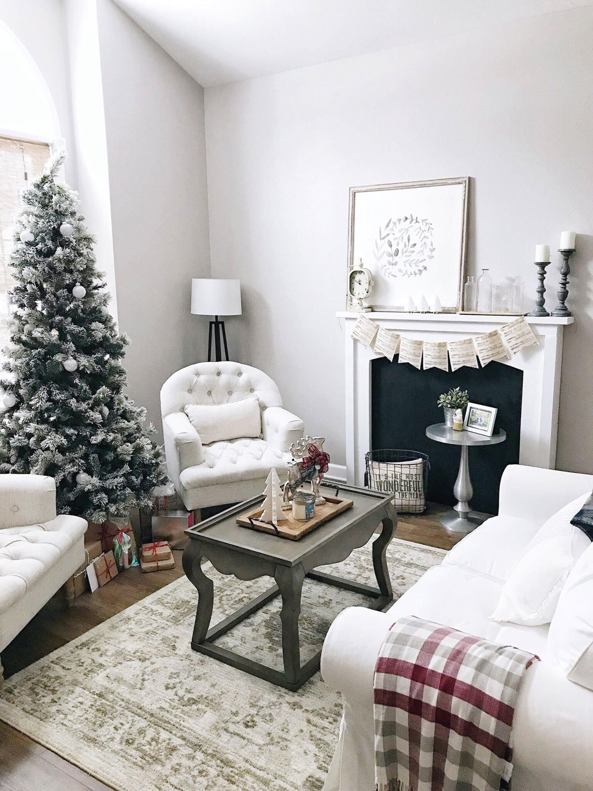 neutral Christmas sitting room