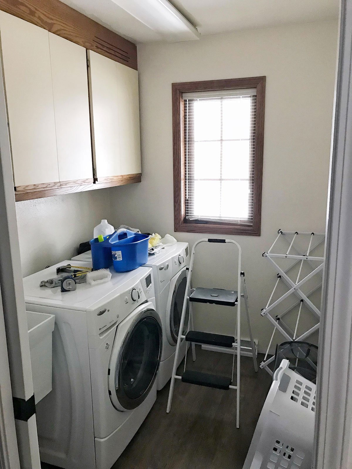 small laundry room before 1